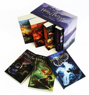 Harry Potter Paperback Boxed Set: The Complete Collection (Set of 7 Volumes) (J. K. Rowling)