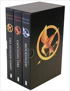 The Hunger Games Trilogy Set (Suzanne Collins)