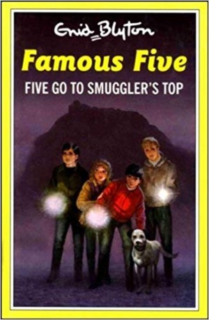 Famous Five: 4: Five Go To Smuggler's Top (Enid Blyton)